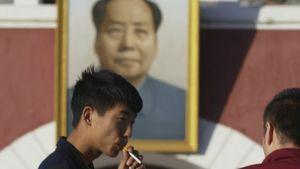 Diperkirakan Sepertiga Lelaki Cina Mati Muda karena Rokok