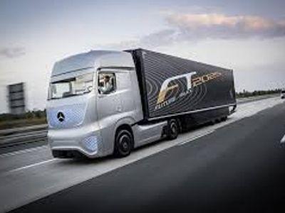 Kembali Sukses Uji Coba, Mercedes Benz Siap Produksi Truk Tanpa Sopir