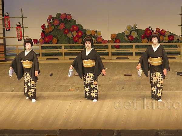 Pertunjukan Tari Maiko di Kyoto Film and Art Festival 2015