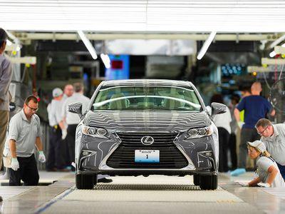 Mobil Mewah Lexus Akhirnya Diproduksi di Amerika