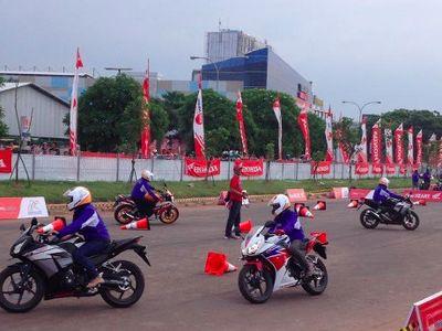 Honda Indonesia Ajak 20 Pengguna Motor Sport Nonton MotoGP 2015