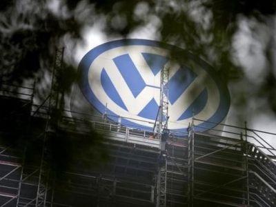 Tekor Akibat Skandal Emisi, VW Bekukan Program Promosi 2016?