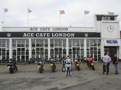 Bertandang ke Kafe Bikers Bersejarah di London