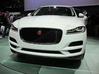 Cuma Dijual 50 Unit Jaguar F-Pace Tampil