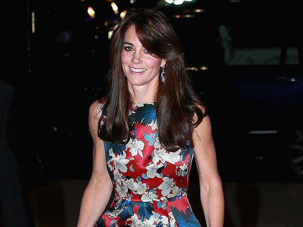 Stunning! Kate Middleton Menawan Dibalut Dress Floral