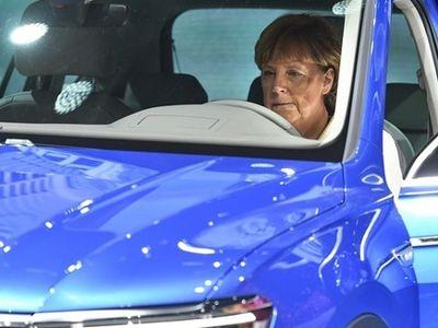 Minimalisir Dampak Skandal Emisi, Bos VW Temani Kanselir Jerman ke China