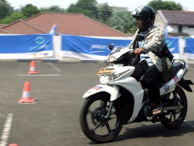 Loloskan Pengendara yang Tidak Qualified, Polisi Pecat 400 Penguji SIM