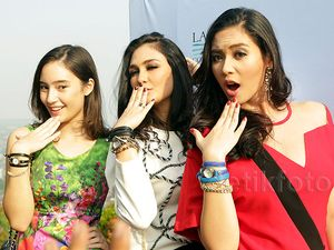 Cantiknya Tatjana Saphira, Luna Maya dan Elvira Devinamira
