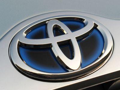 Toyota Kuasai Penjualan Mobil di Oktober 2015