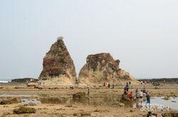 Pilihan Pantai Keren Buat Liburan di Desa Sawarna, Banten