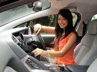 Tips Mengemudi Mobil untuk Pemula