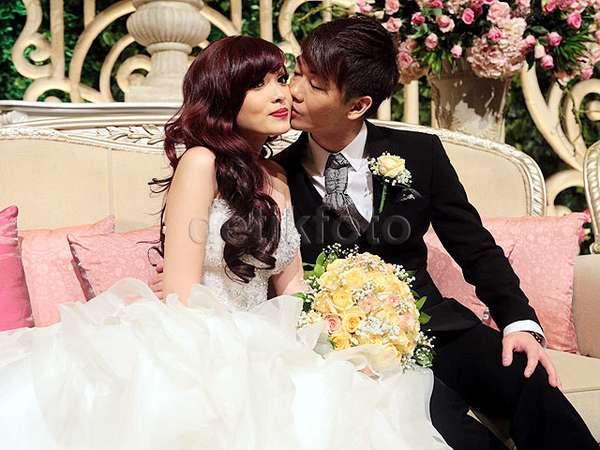 You May Kiss The Bride... Kecupan Mesra Aming untuk Angel 'Cherrybelle'