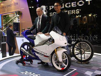 Peugeot Kembali Balapan