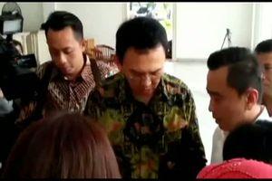 Setahun Memimpin Jakarta Ahok Dapat Kejutan dari Penggemar