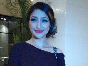 Makin Seksi, Siapa Sih Pacar Rahma Azhari Sekarang?