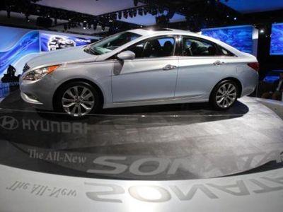 Pedal dan Lampu Rem Bermasalah, 305 Ribu Hyundai Sonata Ditarik