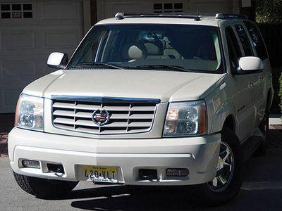 Cadillac Escalade Bekas Opera