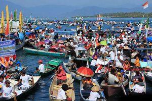 Ribuan Kapal Hias Ramaikan Festival Bajo Pasakayyang 2015