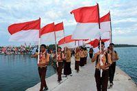 Cuma di Morowali, Ada Karnaval di Tengah Laut