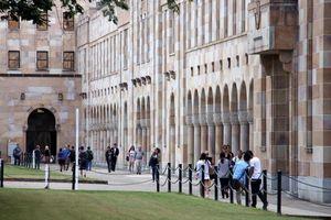Seorang Mahasiswa di Brisbane Meretas Komputer Universitas
