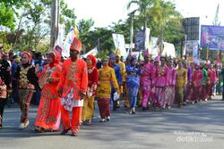 Begini Kemeriahan Karnaval Festival Keraton Nusantara 2015