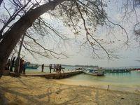 Jakarta Bikin Penat, Coba Rileks Dulu di Pulau Bulat