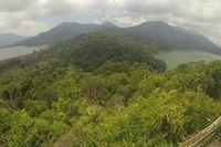 Tahu Tidak, Bali Punya 2 Danau Kembar yang Cantik!