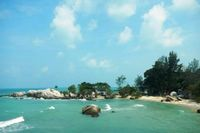Satu Lagi yang Cantik di Belitung, Pantai Penyabong
