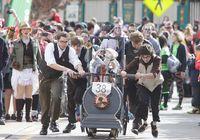 Festival Teraneh di AS, Dorong Peti Mati untuk Memperingati Hantu