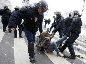 Demonstrasi Perubahan Iklim di Paris Rusuh