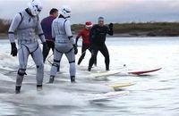 Nonton Stormtroopers Berselancar, Cuma di Inggris!