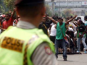 Demo Aliansi Mahasiswa Papua Ricuh
