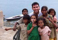 Inspiratif: Pria yang Traveling Bawa Pensil Demi Mengubah Dunia