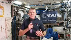 Astronot Inggris Balas Pesan dari Luar Angkasa