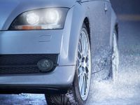 3 Etika Menyalakan Lampu Mobil di Saat Musim Hujan