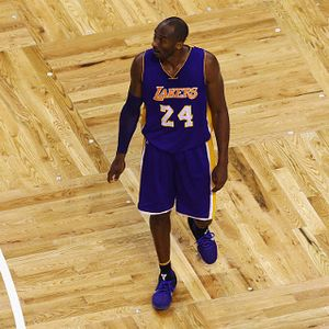 Lakers Belum Tahu Akan Pensiunkan Nomor Kobe yang Mana
