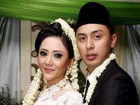 Tiga Tahun Menikah, Aida Saskia Hamil Tujuh Bulan
