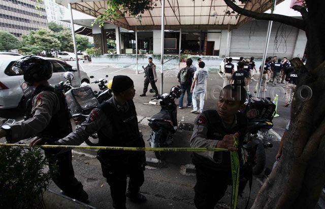 Aksi Pasukan Densus 88 Kepung Teroris