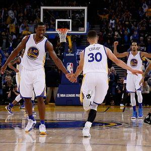 Curry Pimpin Warriors Kalahkan Lakers