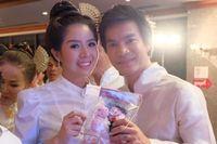 Melihat Prosesi Pernikahan di Dalam Air Khas Thailand Selatan