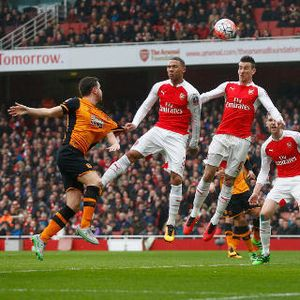 Arsenal Diredam Hull 0-0