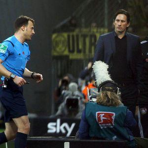 Soal Kasus Wasit Walk-out, Pelatih Leverkusen Bersikukuh Tak Bersalah