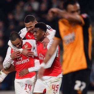 Giroud-Walcott Loloskan Arsenal ke Perempatfinal