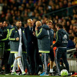 Soal Comeback, Zidane Ingatkan Madrid Pada Barca di Liga