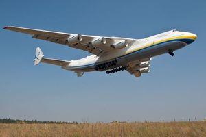 Pesawat Terbesar di Dunia, Antonov An-255 Mriya, Mendarat di Perth