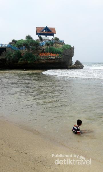 Menikmati Indahnya Pantai Kukup Di Gunungkidul