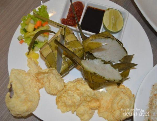 Liburan Di Makassar, Wajib Coba Coto Makassar