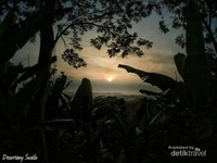 Gunung Munara di Bogor yang Indah Nan Menantang
