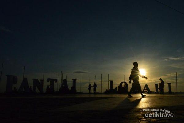 Pantai Losari, Tempat Terbaik Menikmati Sunset Di Makassar