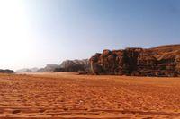 Gurun Yordania yang Mirip Seperti di Planet Mars